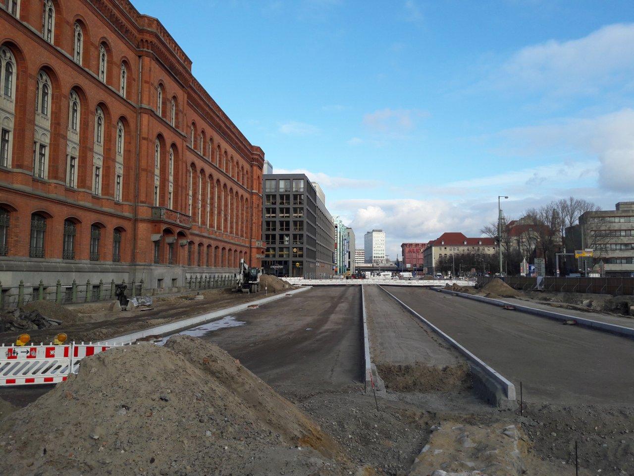 Neuer-Strassenverlauf-Rotes-Rathaus.jpg