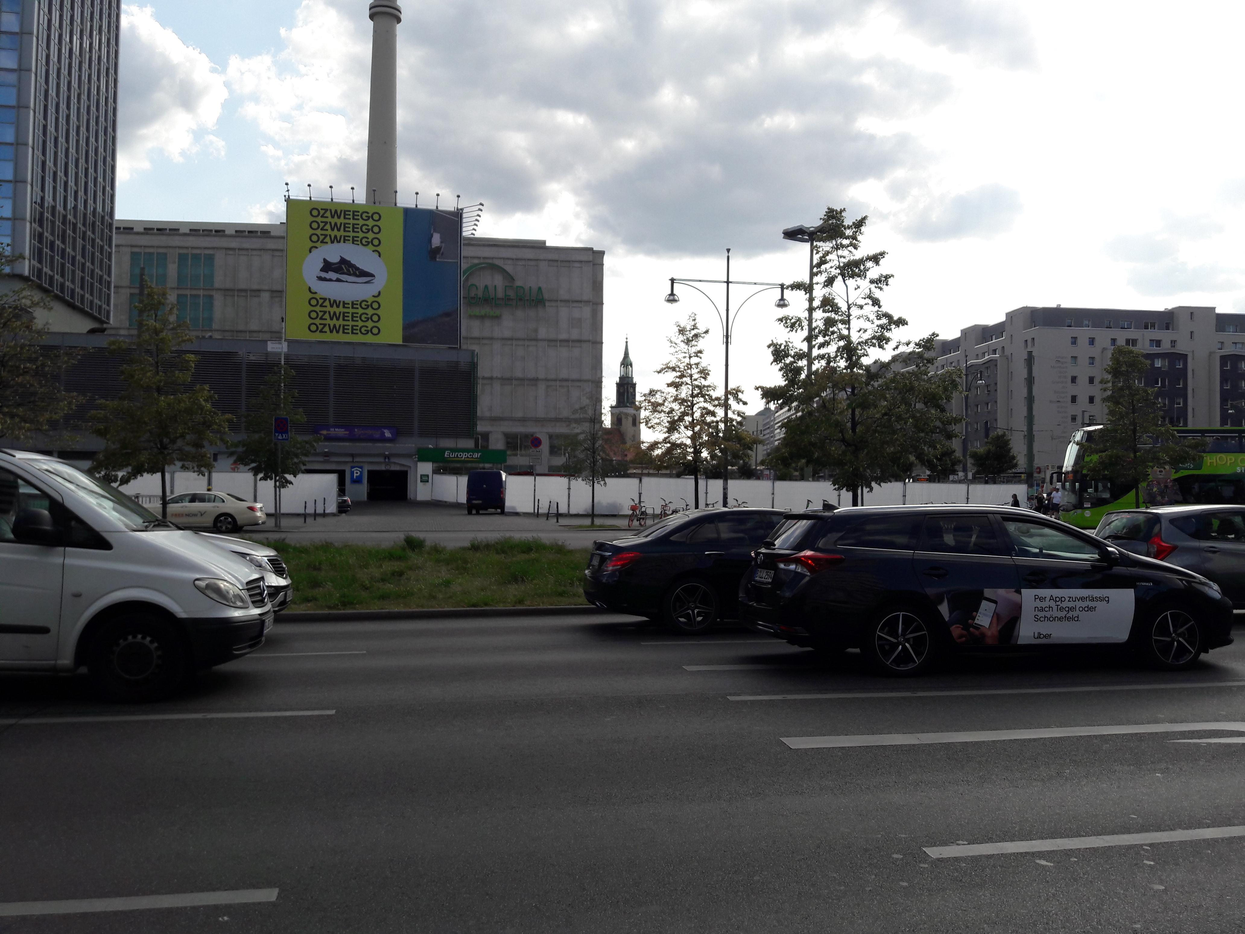 Sauerbruch-Hutton-Alexanderplatz.jpg