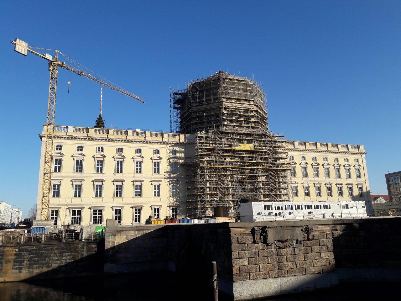 Stadtschloss-Weihanchtsbaum.jpg