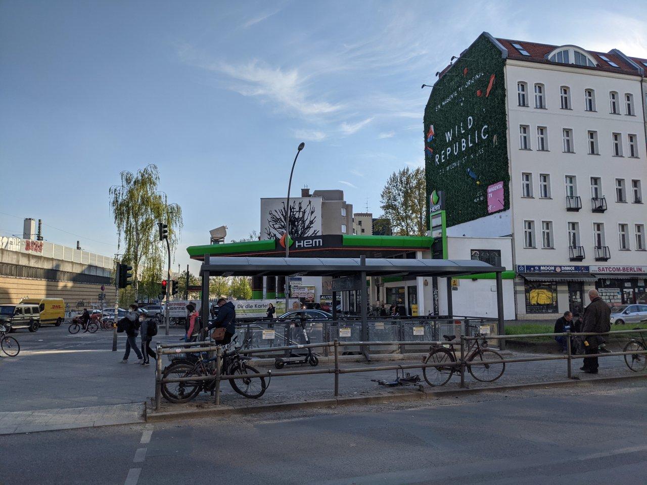 Tankstelle-Wedding-Bahnhof.jpg