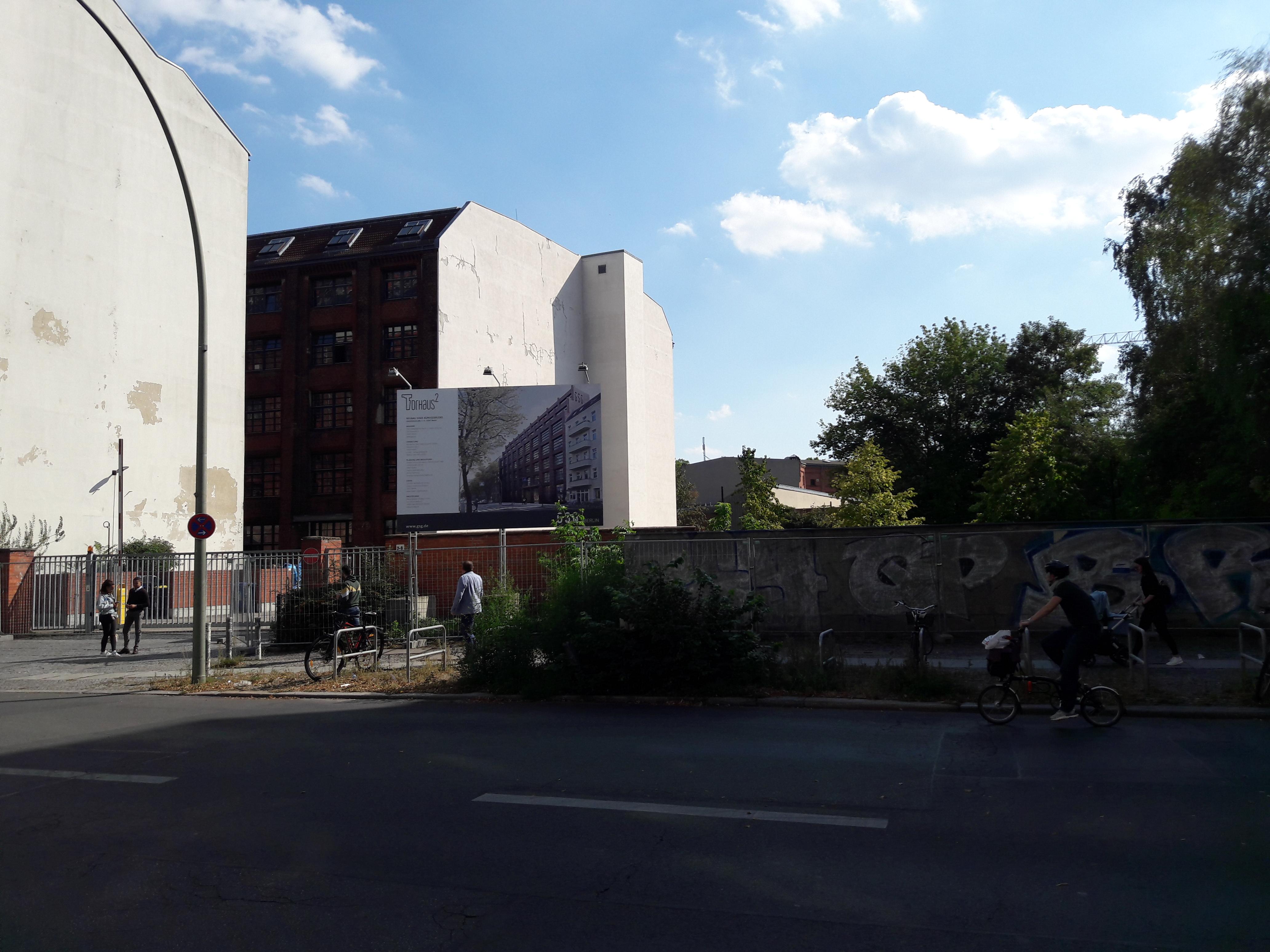 Torhaus-Neubau-Berlin.jpg
